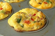 Egg Muffins make the perfect healthy on-the-go breakfast- load with as many vegetables as you like! These Scrambled Egg Breakfast Muffins are a MUST HAVE! Omelette Muffins, Breakfast Muffins, Breakfast Dishes, Egg Muffins, Breakfast Burritos, Sausage Breakfast, Breakfast Casserole, Muffin Recipes, Egg Recipes