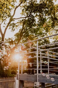 #weddingday #sunset #kid #bubbles Wedding Photos, Wedding Day, Wedding Bubbles, Wedding Preparation, Bridesmaid, Kid, Sunset, Marriage Pictures, Pi Day Wedding
