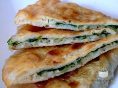 Dill And Green Onion Stuffed Flatbread Recipe Romania Food, Vegan Recipes, Cooking Recipes, Flatbread Recipes, Food Places, Meals For One, Food To Make, Easy Meals, Food And Drink