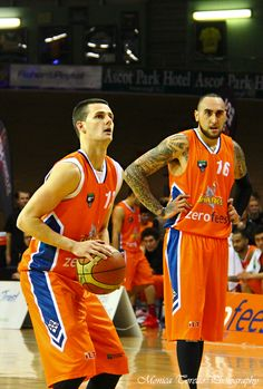 Southland Sharks' Dan Peck concentrates during the game against the Otago Nuggets. Stadium Southland, June Southland Sharks v Otago Nuggets. Shark S, Dan, Tops, Fashion, Moda, Fasion, Trendy Fashion, La Mode