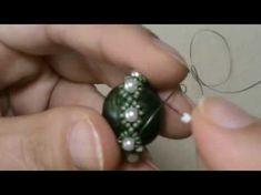 Tutorial Video - Beading / Bead Making - Tutorial Video – How to Make a Rotating Herringbone Technique (Spiral Herringbone Stitch)? Beaded Beads, Beaded Earrings, Beaded Jewelry, Beaded Bracelets, Bead Making Tutorials, Beading Tutorials, Beading Patterns, Diy Jewelry Rings, Jewelry Making