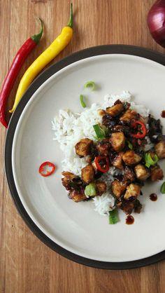 Feuriger Tofu mit Basmatireis // Spicy tofu with basmati rice