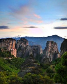 "Meteora , Greece .         Athens Voice (@athensvoice) στο Instagram: ""Απόκοσμη ομορφιά @rotpap"""