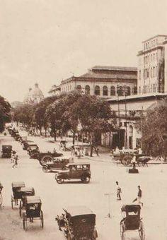 ``ခက္ခဲနက္နဲတဲ့ အမႈကို ေဖာ္ထုတ္လိုက္နိုင္ျပီဆိုတဲ့အခါ စိတ္မွာခံစားရတာ.....ဘယ္အရသာနဲ႔မွ မတူဖူးမို႔လား.....ဦးစံရွား။ ။(၁၉၂၀)`` ...Phayre Street- Rangoon; Burma(1920) (File Photo)