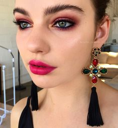 Pinterest: DEBORAHPRAHA ♥️ natural eyebrows and pink eyeshadow and pink lips #makeup