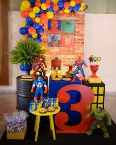Festa Super-Heróis: 80 ideias PODEROSAS [TENDÊNCIA 2020] Hulk Birthday Parties, Avengers Birthday Cakes, Superhero Birthday Cake, Superhero Party Decorations, Birthday Party Decorations, Hulk Party, Creations, Everton, Super Heros