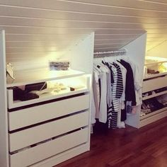 Creative and affordable Useful ideas: Attic Workspace House Attic Bedroom . - Creative and inexpensive Useful ideas: Attic Workspace House Attic bedroom furniture. Loft decor home theaters loft spa … - Master Closet, Small Spaces, Home, Closet Bedroom, House Roof, Remodel, Bedroom Loft, Bedroom Decor, Attic Storage