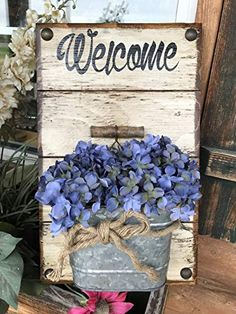 WELCOME sign to hang by front door with tin BUCKET *Wall Planter *Galvanized Metal BUCKET pail flowers (optional) *Reclaimed Country Distressed Wood -Antique White (Off-White) *Indoor or Outdoor - Alles über den Garten Dollar Tree Decor, Dollar Tree Crafts, Diy Wood Projects, Wood Crafts, Tin Buckets, Beautiful Front Doors, Flower Pot Design, Tin Can Crafts, Country Crafts