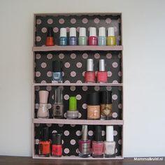 Mamma Bruist DIY Glossybox stash rekje http://mammabruist.blogspot.nl/2013/06/diy-glossybox-stash-rekje.html