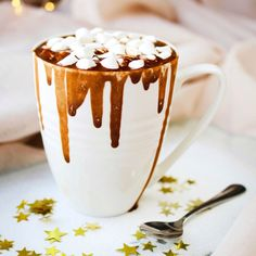 How To Make Your Hot Chocolate Even Better – Tip Junkie Mexican Hot Chocolate, Hot Chocolate Mix, How To Make Chocolate, Fragrance Samples, Fragrance Oil, Candle Making Supplies, Linen Spray, Thing 1, Creamy Peanut Butter
