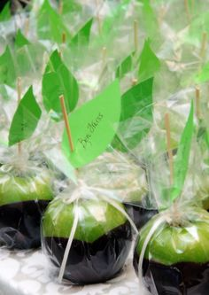 Candy Apple Favors, photo by Dara Blakeley Photography
