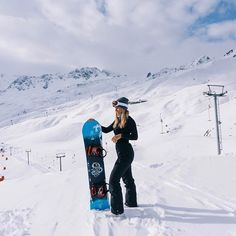 Perfect day on the slopes Ski And Snowboard, Snowboarding Style, Ski Girl, Snow Outfit, Ski Vacation, Winter Photos, Snow Skiing, Foto Pose, Winter Snow