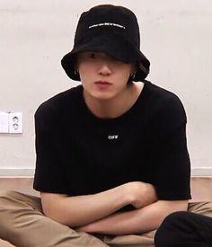 Yes pls continue bih Taehyung, Jungkook Jeon, Jungkook Cute, Foto Jungkook, Jung Kook, Foto Bts, Dance Music, K Pop, Jeon Jeongguk