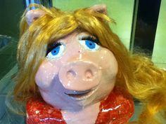 Miss Piggy gemaakt door een leerling van klei.GTL VMBO 3 Blariacum