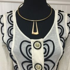U Statement gold tone chocker Expands to fit any size neck. Great simplistic style for today's fashion trends (silver also available) Sunahara Jewelry Jewelry Necklaces