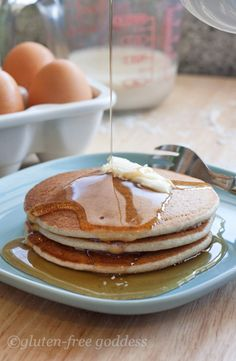 The best gluten-free pancakes we've eaten. These sound very intricate, but there really are about a million crap gluten free pancake recipes out there so it may be worth a shot. Gluten Free Recipes For Breakfast, Gluten Free Pancakes, Gluten Free Breakfasts, Gluten Free Cooking, Gluten Free Desserts, Dairy Free Recipes, Pancake Recipes, Pancakes Easy, Fluffy Pancakes