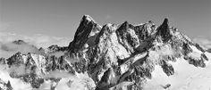 photo boillon christophe / photo montagne panoramique en n&b du massif du mont-blanc
