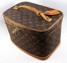 Fine Vintage Louis Vuitton Monogram Train Vanity Case, Luggage, Made in France SP0060