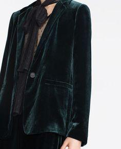 Image 6 of GREEN VELVET STUDIO JACKET from Zara