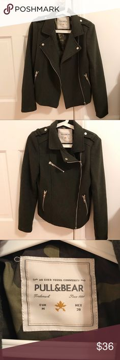 Army Green Jacket Army green jacket from Pull&Bear. With pockets and zip details. Size Medium. Never used before, brand new. I accept offers! Pull&Bear Jackets & Coats