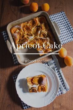Apricot Cake #food steller Today a cake with apricots and almonds in the French style that is beautiful to be served directly from the pan to the table. I used one of the pans of Emile Henry. The summer season can achieve very good cakes. Ingredients:
