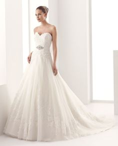 2015 A-Line Sweetheart Beading Embroidery Court Train Tulle Wedding Dresses