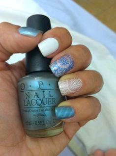 Nail art stamping,  azul tornasol,  uñas magnéticas