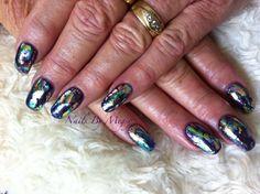 Gel foil nail art