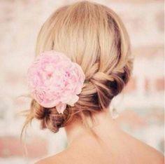 Dutt in vielen verschiedenen Variationen für die Hochzeit – Foto: instagram/ hairposts