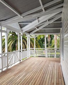 A warm Halloween on the newly oiled and painted deck. Day into Night.(First pic unoiled.wish you could keep it like this) No trick or treaters when you live on acreage. Queenslander House, Weatherboard House, Wall Exterior, Exterior Design, Veranda Railing, Beach House Deck, Front Verandah, Behr, House Goals