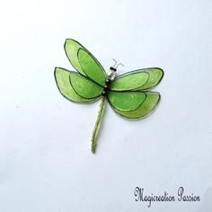 libellule magnet double ailes vert anis pailleté argenté + 1 aimant Curtains Or Shades, Magnetic Beads, Green Glitter, Decoration, Dragonflies, France, Dragon Flies, Curtains, Romantic Things