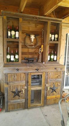 Ineffable Chest of Drawers from Wooden Pallets Ideas. Prodigious Chest of Drawers from Wooden Pallets Ideas. Wood Pallet Bar, Wooden Pallets, Barn Wood, Rustic Wood, Rustic Decor, Pallet Ideas, 1001 Pallets, Wood Ideas, Diy Wood
