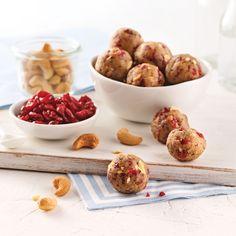 Boules d'énergie aux canneberges - Les recettes de Caty Quinoa Soufflé, Nutrition, Granola, Biscuits, Smoothies, Lunch Box, Snacks, Meals, Breakfast