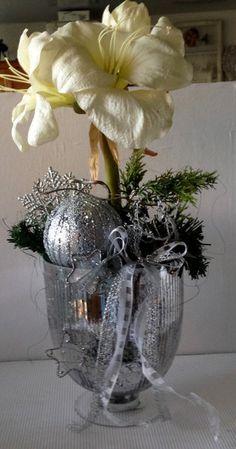 Weihnachtsdeko - Silberpokal mit Amaryllis - ein Designerstück von gittirai bei DaWanda