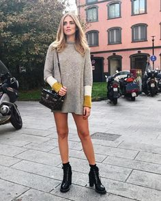 ChiaraFerragni_Style: #ChiaraFerragni #ItalianDays From ChiaraFerragni_Style closet LOUIS VUITTON LOUIS VUITTON Star Trail Ankle Boot