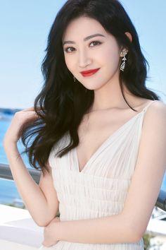 Jing Tian in Cannes for film festival Pretty Asian Girl, Sexy Asian Girls, Beautiful Girl Image, Beautiful Asian Women, Jing Tian, Foto Pose, Chinese Actress, Classy Women, Elegant Woman