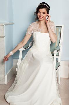 Elsa Gary - Robes de mariée   Modèle: Elisa   Crédits: Elsa Gary   Donne-moi ta main - Blog mariage