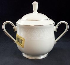Lenox COURTYARD PLATINUM Sugar Bowl w/Lid SHOWROOM INVENTORY MINT w/tags #LENOX