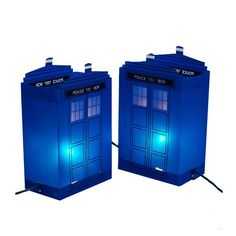 The Doctor Who TARDIS Luminary Outdoor Decor will make it look like the Doctor just dropped in for a visit. After he and the TARDIS have multiplied. It features Doctor Who Funny, Doctor Who 10, Doctor Who Tardis, Outdoor Christmas Decorations, Outdoor Decor, Garden Decorations, Christmas Centerpieces, Holiday Decor, Doctor Light