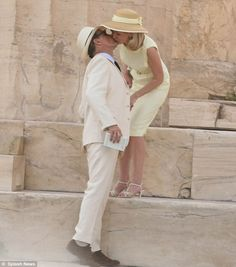 Kirsten Dunst and Viggo Mortensen kissing in front of Parthenon, Athens, Greece, during film making