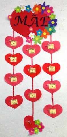 Lembrancinha para o dia das mães. Flor em EVA com bombom.