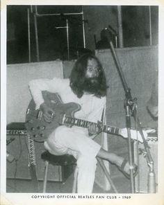 From+The+Beatles%27s+Fanclub+Photos+02.jpg (398×500)