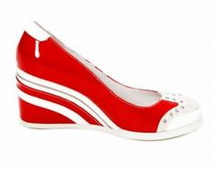 Rokin' Reptile Shoes  http://www.rockinreptile.com/
