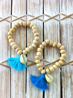 Driftwood Cowrie Bracelet, Wooden Beaded with a Cowrie Shell and Cotton Tassel Tassel Earing, Tassel Bracelet, Tassel Jewelry, Beaded Bracelets, Photo Bleu, Face Jewellery, Beaded Garland, Bijoux Diy, Turquoise
