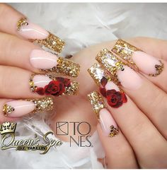 Nail art Christmas - the festive spirit on the nails. Over 70 creative ideas and tutorials - My Nails Fancy Nails, Bling Nails, Trendy Nails, Beauty And The Beast Nails, Red And Gold Nails, Gold Acrylic Nails, Cherry Nails, Glamour Nails, Rose Nails