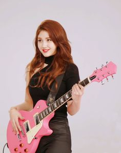 HD Kpop Photos, Wallpapers and Images Kpop Girl Groups, Korean Girl Groups, Kpop Girls, Jeon Somi, Kpop Entertainment, Wonder Girls Members, Female Guitarist, Cute Faces, Celebs