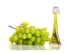 that 2 tablespoons of grape seed oil benefits a day helps lower LDL cholesterol? Europeans have been using grapes, as well as their sap and Oil Treatment For Hair, Vitis Vinifera, Homemade Facials, Oil Benefits, Oils For Skin, Hair Oil, Natural Hair Care, Natural Beauty, Seed Oil