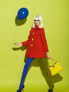 A story with baloon Fashion story for ELLE magazine Bulgaria The September Issue 2011 Antonia Yordanova styling Momchil Hristov photography Anna Andreeva make-up Dani Molchovska hair styling Evelina T. Fashion model Special thanks to Joro Petkov ; Pop Art Fashion, Foto Fashion, Fashion Poses, Colorful Fashion, Fashion Design, Elle Fashion, 60s Fashion Trends, Editorial Fashion, 1950s Fashion