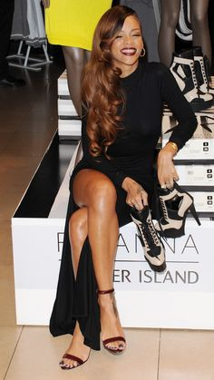 Geez, absolutely love this look. I also notice Rihanna always does a simple minamalistic heel. Love it