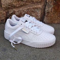 Restock Puma Cali Size Wmns - Precio: 8990 (Spain & Portugal Envíos Gratis a Partir de 70) www.loversneakers.com  #loversneakers #sneakerheads#sneakers #kicks#zapatillas #kicksonfire #kickstagram #sneakerfreaker #sneakernews #solecollector#wdywt #womft#sneakeraddict #kotd#smyfh#hypebeast  #puma #pumathunder #pumacali Zapatillas Nike Huarache, Pumas Shoes, Shoes Sneakers, Cute Shoes, Me Too Shoes, White Puma Sneakers, Puma Cali, Shoe Boutique, Sneaker Heels